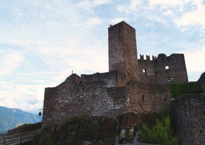 """Castel d'Appiano, provincia di Bolzano, tappa dell'Itinerario culturale """"Le Vie dell'Impero"""", volume primo, I Tesori del Tirolo storico - progetto coordinato da Filippo Maria Cailotto"""